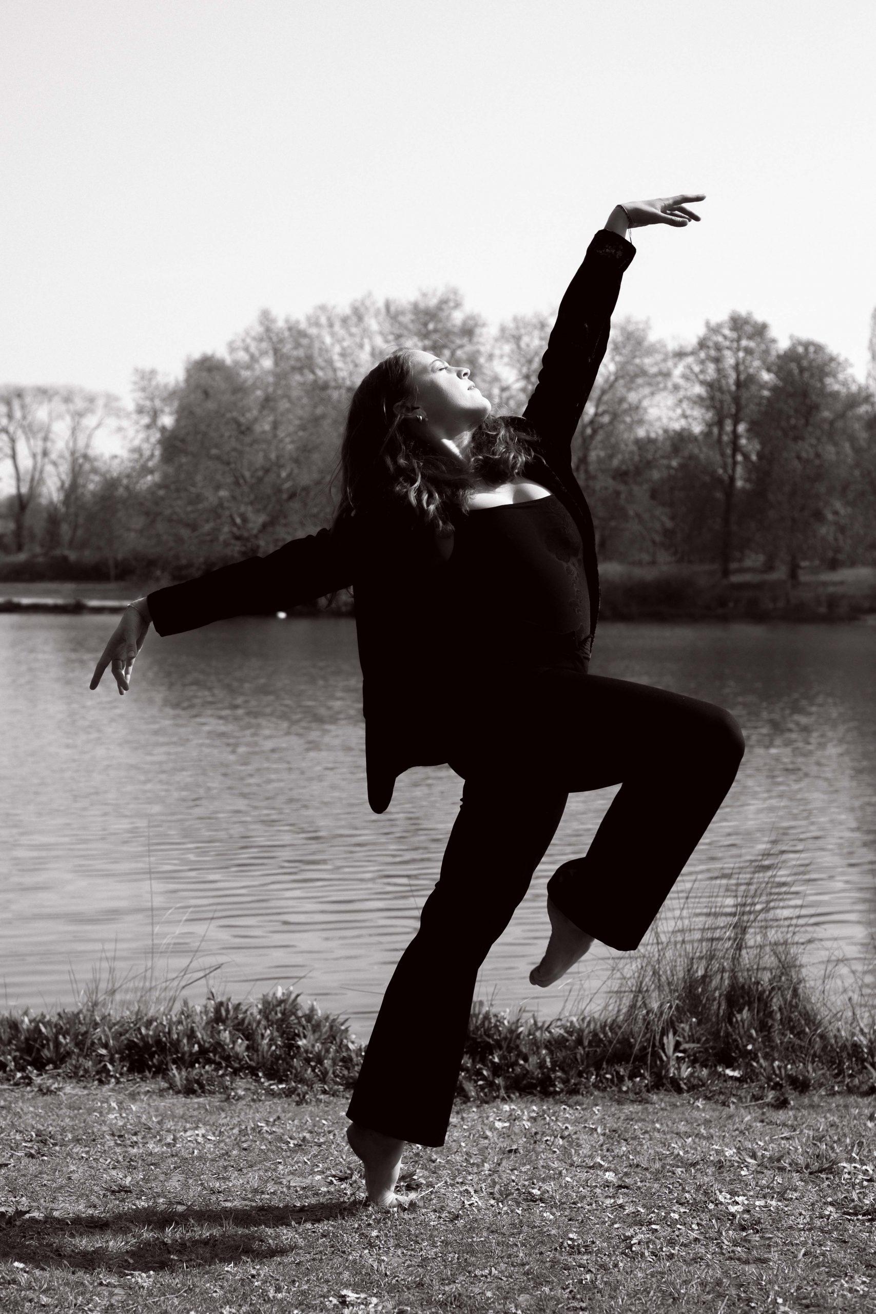 Photo de danse classique noir et blanc Paris