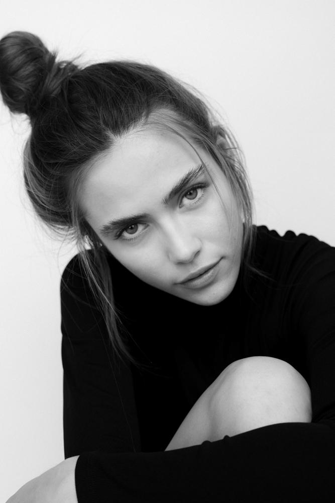 Photographie portrait noir et blanc Alessandra