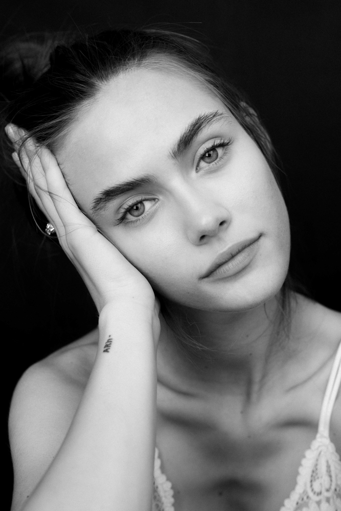Portrait noir et blanc femme Alessandra