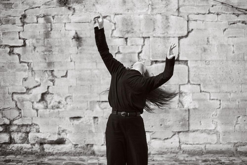 shooting danse quai de seine Katia