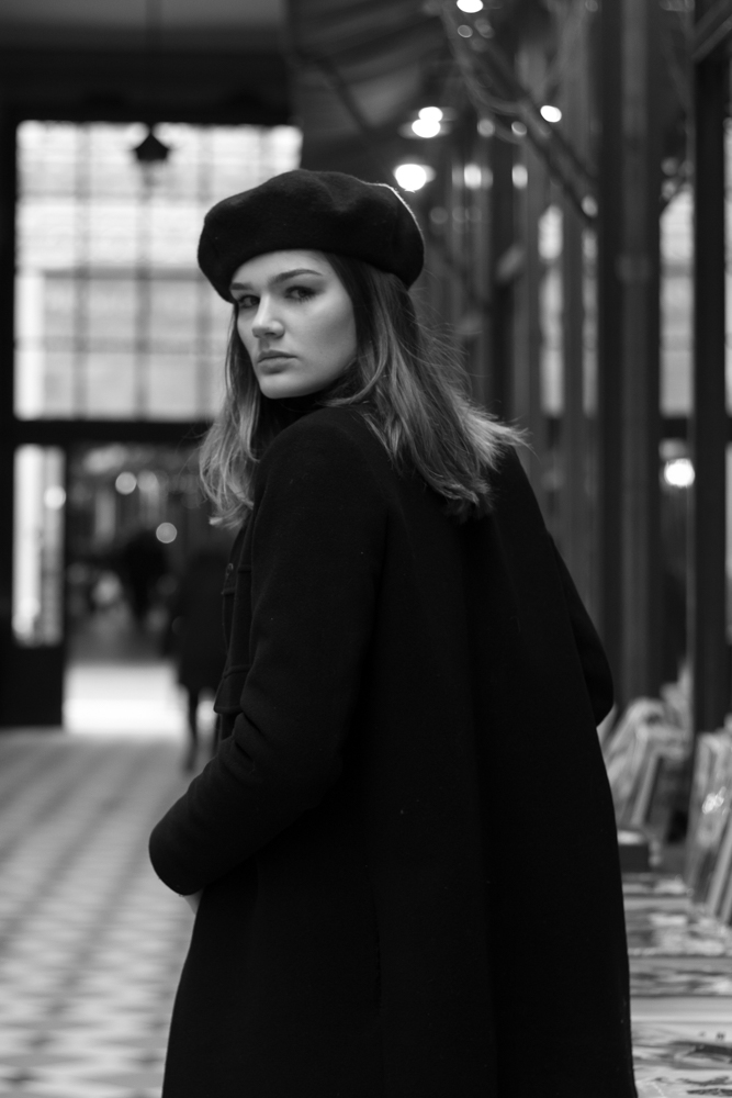 Portrait femme noir et blanc galerie paris